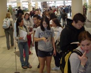 Une queue impressionant à l'occasion des préselections du Fellathon 2008